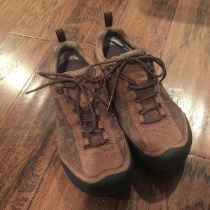 NWOB Women's Sz 8.5 Teva Suede/Leather Shoes